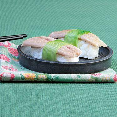 Nigiri-Sushi mit Räucheraal