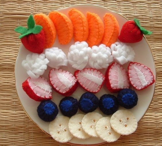 Obstsalat zum selber nähen. Die Erdbeeren sind ja goldig! // Fun Felt Food Sewing Pattern Felt Fruit Salad Pdf