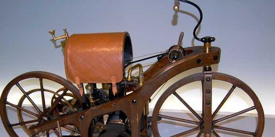 29 agosto 1885: Gottlieb Daimler brevetta prima motocicletta