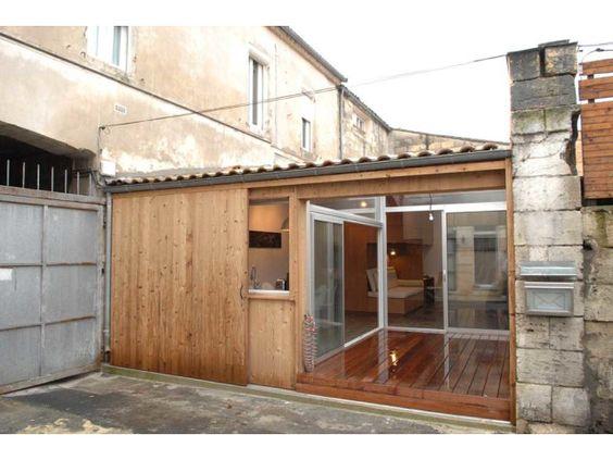 (Bordeaux) Il a construit sa maison dans un garage.