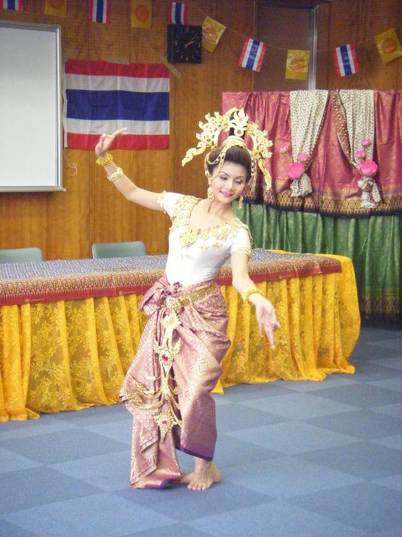 Beautiful Thai dance
