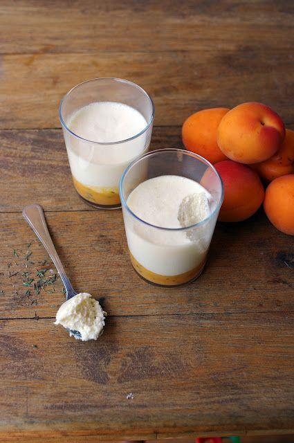 Mousse au miel sur compotée d'abricots au thym    Honey Mousse on a compote of apricots and thyme