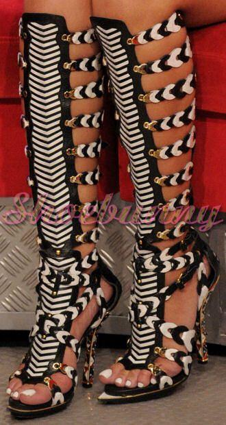 balenciaga-gladiator-sandals-rihanna.jpg (330×620) | Strange shoes ...