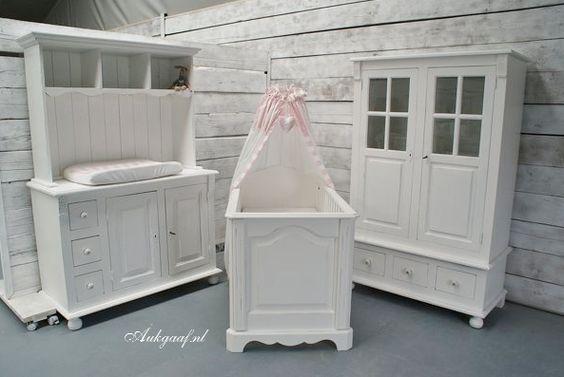 Landelijke babykamer...  Sfeervolle meubelen - Trends4kids ...
