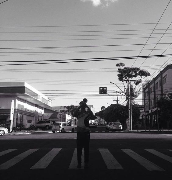 #vsco #vscocam #bnw #bnw_society #streetphotography #streetphoto_brasil #goianiawalk #streetartists #artistasderua #retratosanonimos by ara.batur http://ift.tt/25wK2BC
