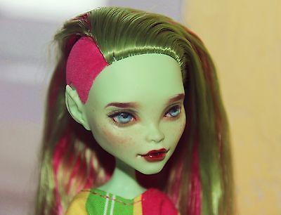 Monster-High-Venus-McFlytrap-OOAK-Custom-Doll-Repaint