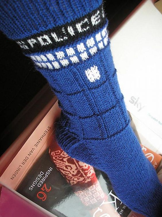 TARDIS Socks: Knit Socks, Knitting Socks, Free Pattern, Knitting Patterns, Tardis Socks, Doctor Who, Dr. Who, Nerdy Crafts