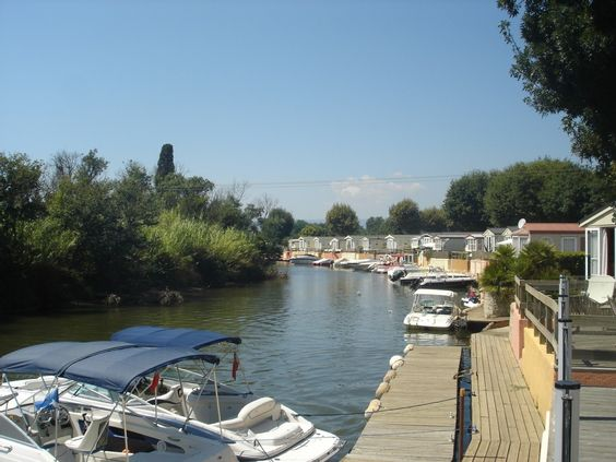 Port-Grimaud mobile home rental - rental pontoon boat can