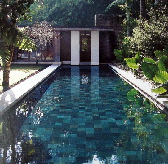 pedra hijau em piscina