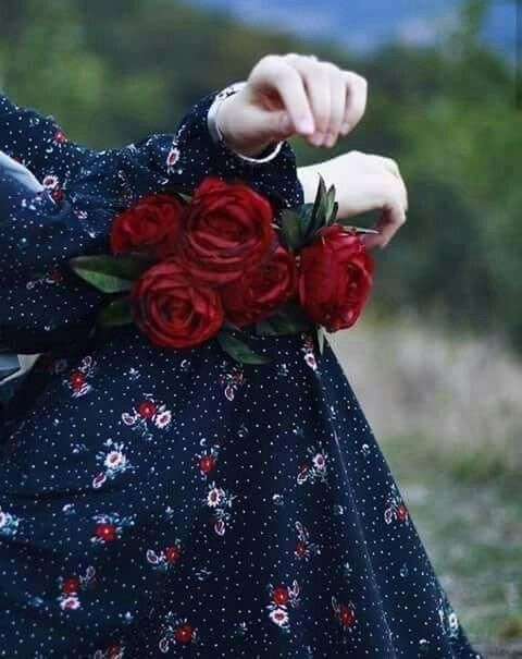 Pin By Noon Azaew On Hair And Beauty Girls With Flowers Beautiful Hijab Girly Photography