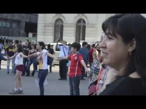 Amazing ! :-O FLASHMOB CHILE: NO + VIOLENCIA CONTRA LAS MUJERES