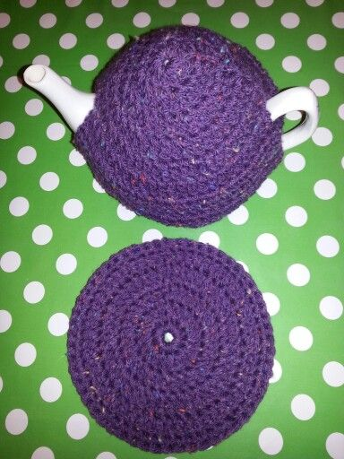 Crochet Tea cosy and tea pot stand. Available to buy from https://www.etsy.com/HumbugsHouse