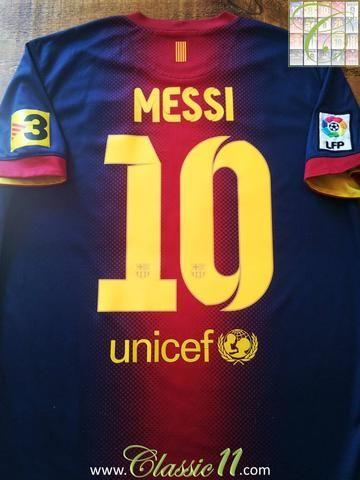 Relive Lionel Messi's 2012/2013 La Liga season with this original Nike Barcelona home football shirt.