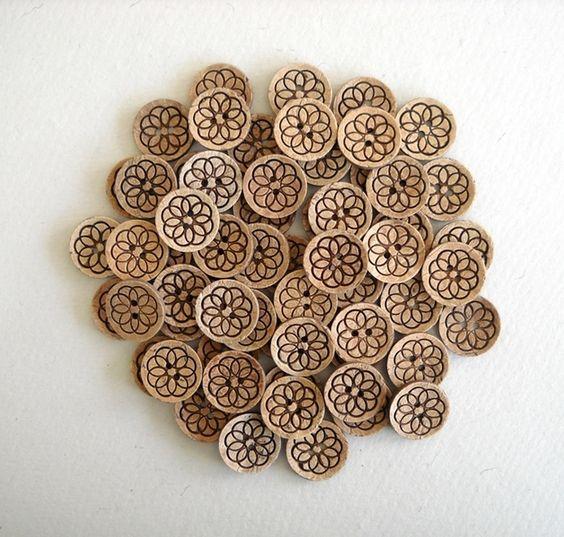Holzknöpfe - 50 Stück - 25 mm Coconut Shell Tasten BU02 - ein Designerstück von zenmart bei DaWanda