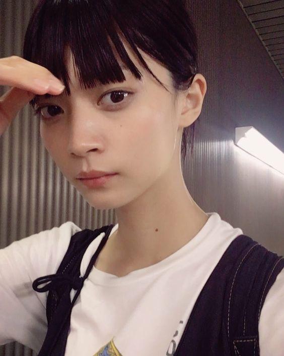 まとめ髪スタイルの田中真琴
