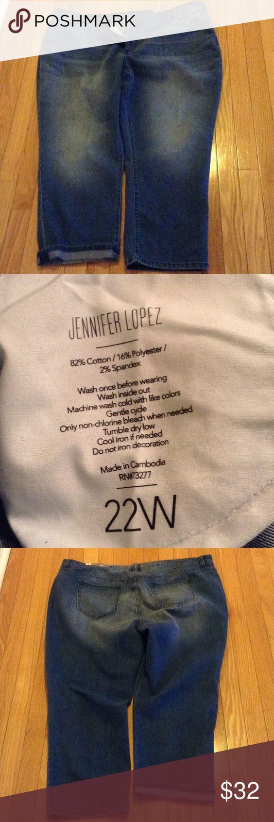 ✨Plus Size Jennifer Lopez Cuffed Jean Capris✨NWT