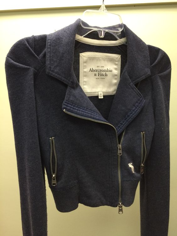 Abercrombie & Fitch jacket! #NLT #AandF #abercrombie #abercrombieandfitch #fall #fallfashion #style #trendy #thrift #thrifty #thriftfashion #thriftstore