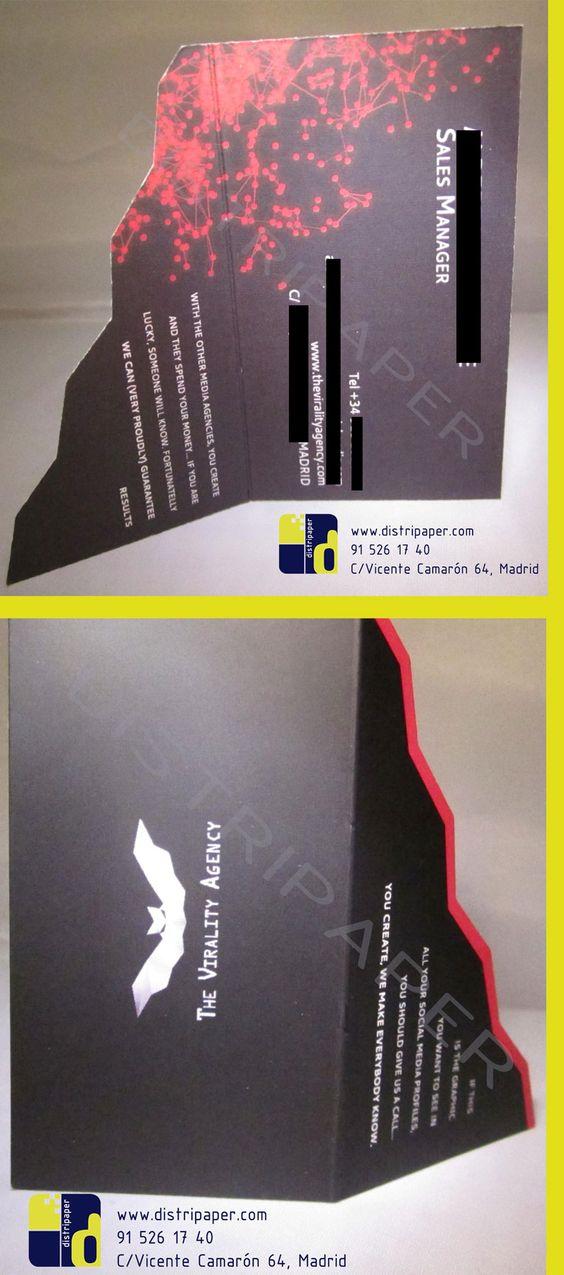 """Nuestras tarjetas en plastificado mate para """"The Viralty Agency"""", con un diseño de troquel impresionante y muy original. Se despliegan como un libro y no dejan indiferente a nadie."""