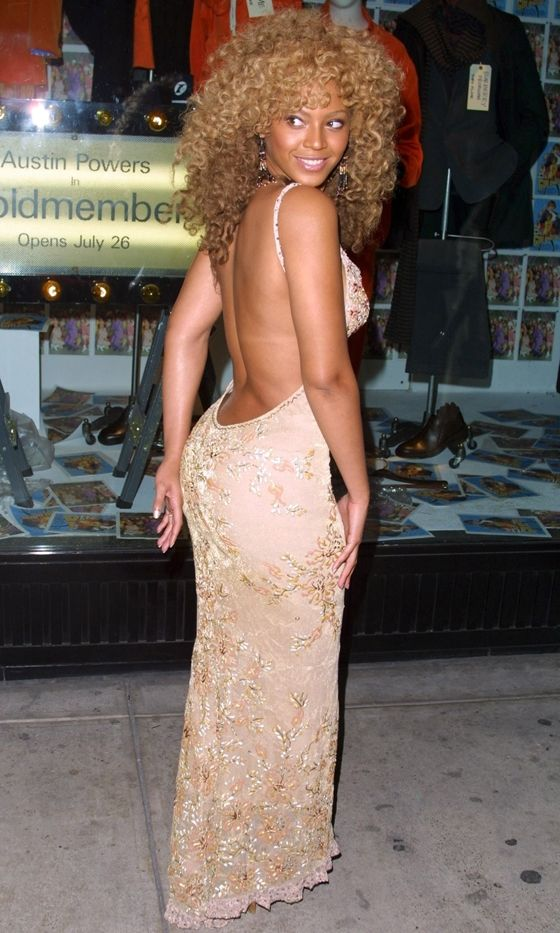 Beyoncé At The 'Austin Powers in Goldmember' Film Premiere, 2002 | Curls | Curly Hair
