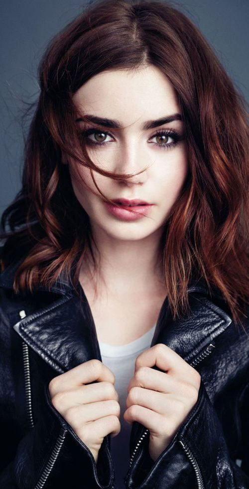 21 Trendy Hair Colors: #2. Dark Auburn Hair Look