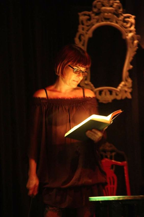 La Senyu leyendo el manifiesto de Golden Sex Dreams #performance #jamescritura #erotica #pornoheterofemenino #girlslovesex