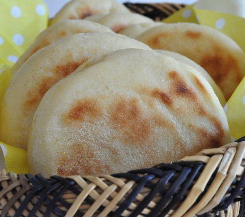 6 Batbout   Pain marocain cuit à la poêle