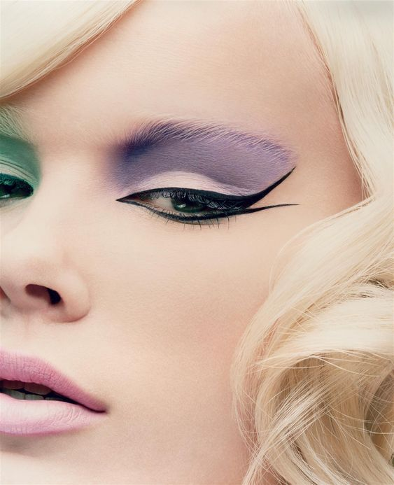 pretty swallow-inspired eyeliner #makeup