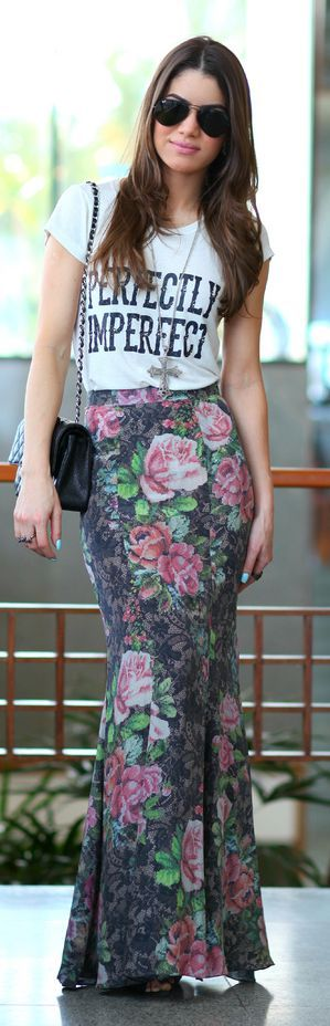 I love this shirt. Bodycon Maxi Floral Skirt + White Tee.: