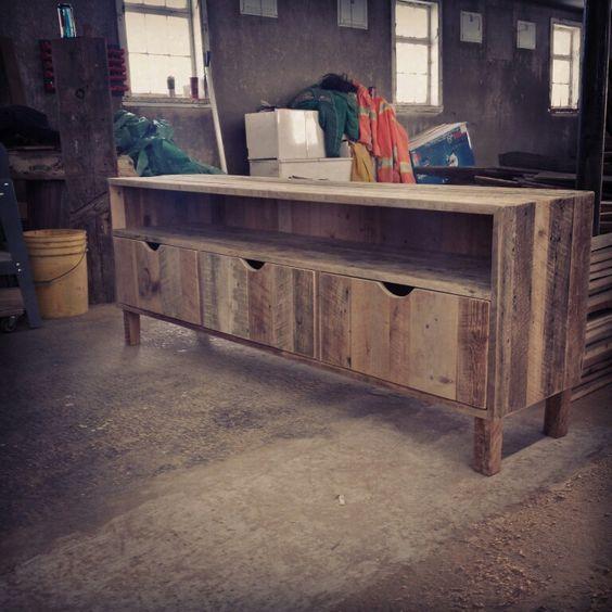 Meuble audio en bois de grange Signé Rustik bois de  ~ Faire Une Table En Bois De Grange