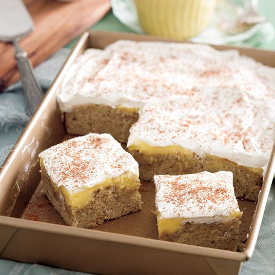 Banana pudding cake, Banana sheet cakes and Dean o'gorman on Pinterest