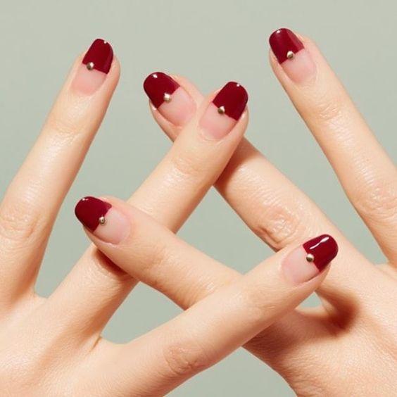 Half wine red nail tips: