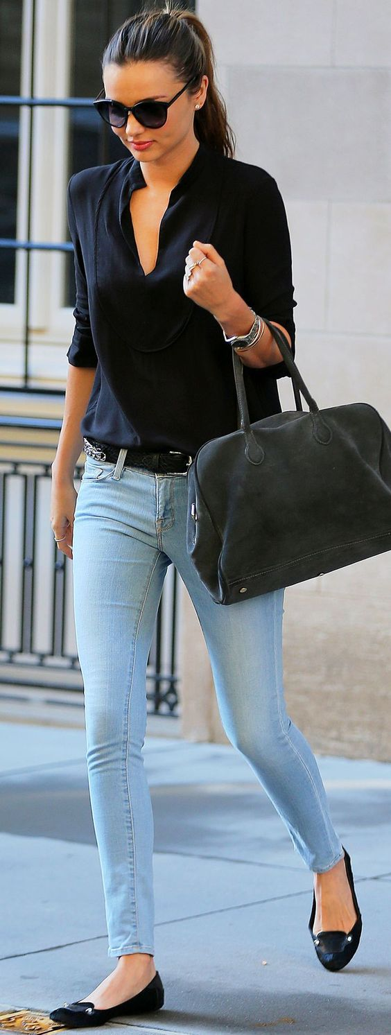 Miranda Kerr Has an Outfit For Just About Everything casual chic - black shirt, skinny jeans, flats, nice handbag