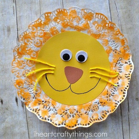 Turn a paper doily into an adorable lion craft! Here's our craft for the #kidscraftstars first monthly challenge. Do you have any doily crafts? Tag them with #kidscraftstars so we can see. Find a clickable link in my profile to see how we made our lion craft. #iheartcraftythings by iheartcraftythings