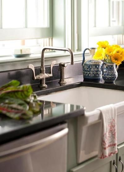 Kitchen Sink (Traditional Home Timeline Photos)