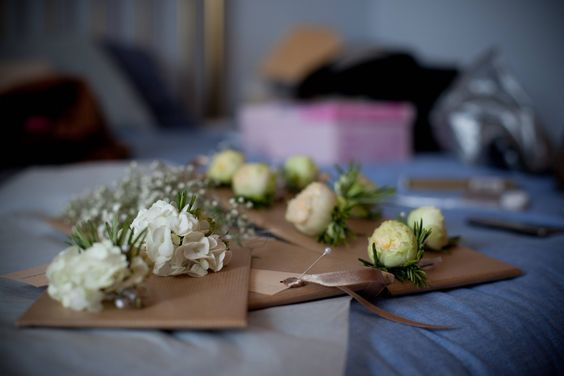 Add flowers to the wedding invitations