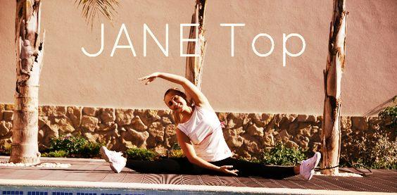 Jane Top Chalk & PInk Bow.   #Janetop #Jane #bow #pink #tennistop #tennis #stretch #30fifteen #tennisclothing #tennistop   www.30fifteen.co.uk