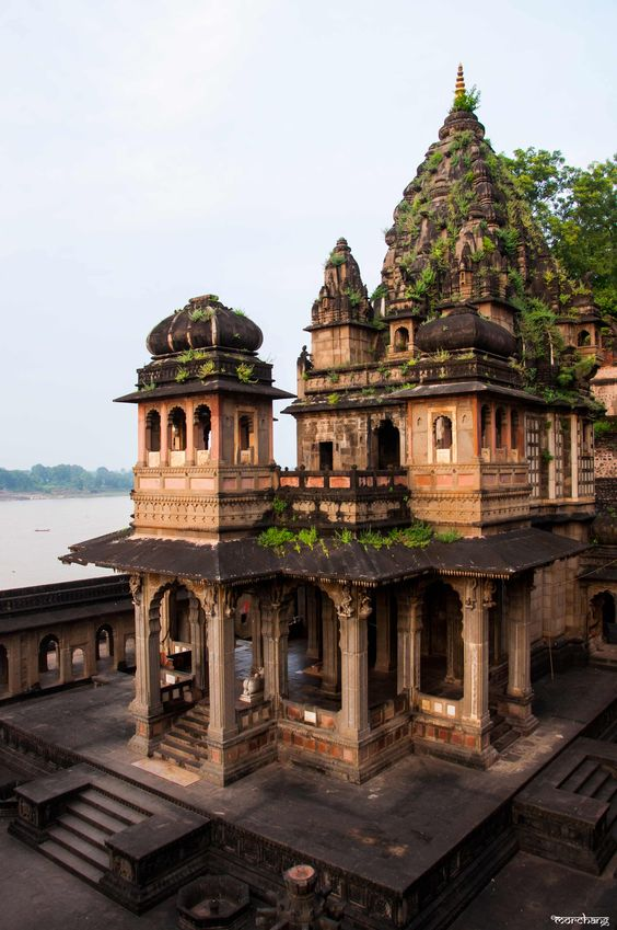 The beautiful temple in Ahilya fort overlooking the calm Narmada River
