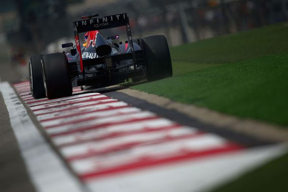 Round 3, UBS Chinese Grand Prix 2013, Qualify, Sebastian Vettel, Infiniti Red Bull Racing, Runs Wide On Exit of Turn 16, On Track Action