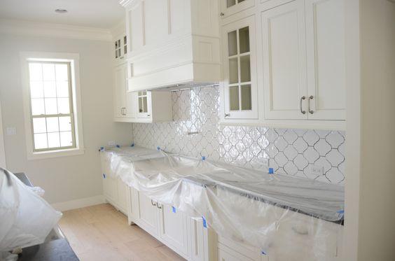 quatrefoil backsplash tile | ... beautiful Arabesque tile from Walker Zanger with slate gray grout