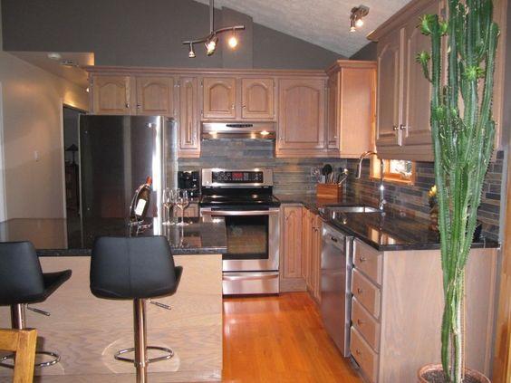 Relooking de cuisine d capage sablage et teinture - Cuisine avec comptoir ...