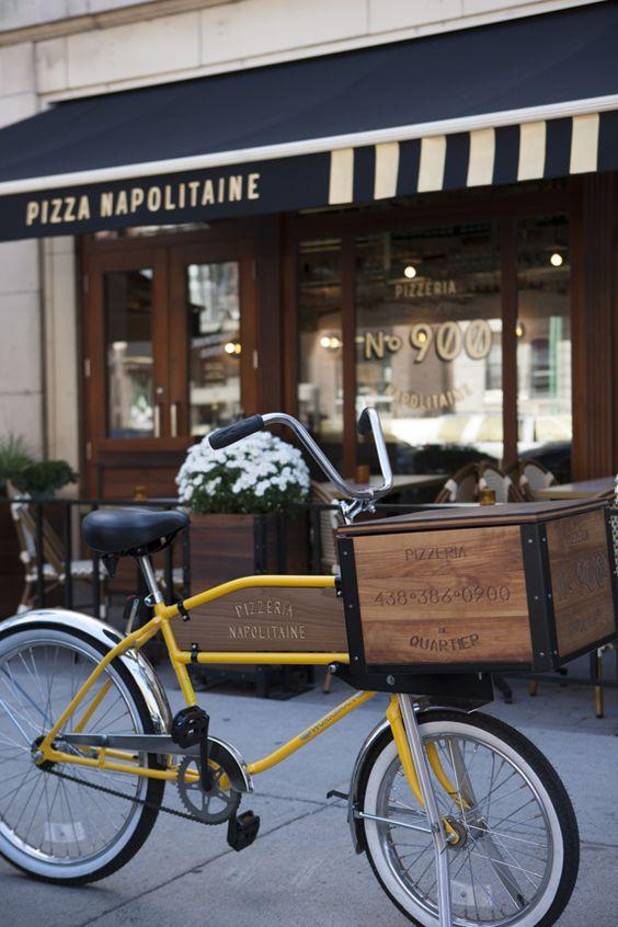 C'est beau la vie de quartier ! J'adore la conception du bicycle de livraison. Design Industriel, Design Graphique. Pizzeria No 900 / 1248, rue Bernard Ouest, Montréal