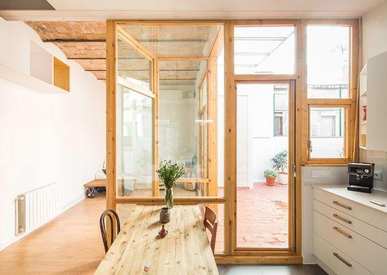 Cavaa Arquitectes exposes ceiling inside Barcelona apartment