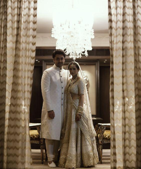 Vestido de noiva | Noiva bordou sua história de amor no vestido do casamento…