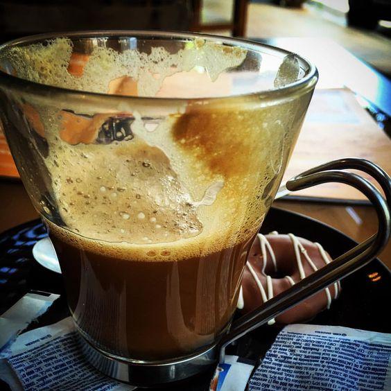 Se não tem Itália, engana com um macchiato... #italianaosaidemim #coffeeaddict @labeccacafe