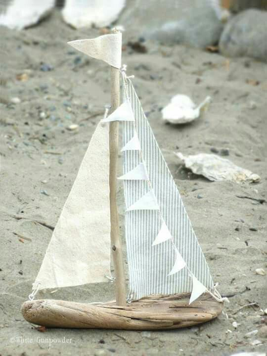 Bateau bois floté et tissus