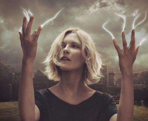 En mi manos tengo el poder, la energía mágica que transforma todo lo que toco en algo hermosamente maravilloso; a mis ojos.