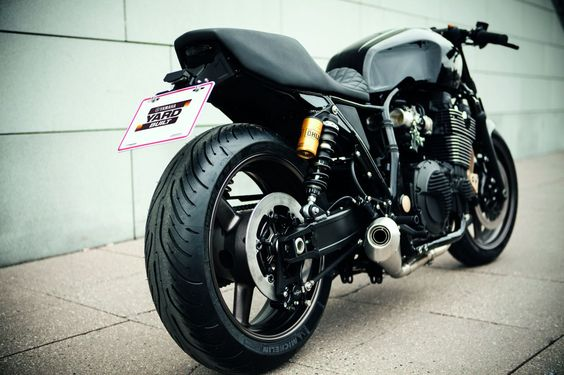 "Yamaha XJR1300 ""Skullmonkee"" by Wrenchmonkees"