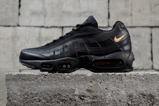 Nike Air Max 95 Black And Gold 924478 003 With Images Nike Air