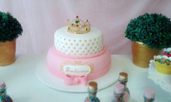 Tema: Coroa da princesa  Bolo a coroa da princesa