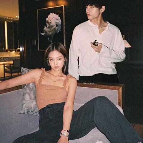 Bts Taehyung X Blackpink Jennie Ship In 2021 Taehyung Singer Kim Taehyung